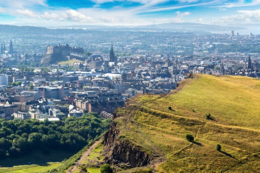 Gin Lovers Guide to Edinburgh Arthurs Seat